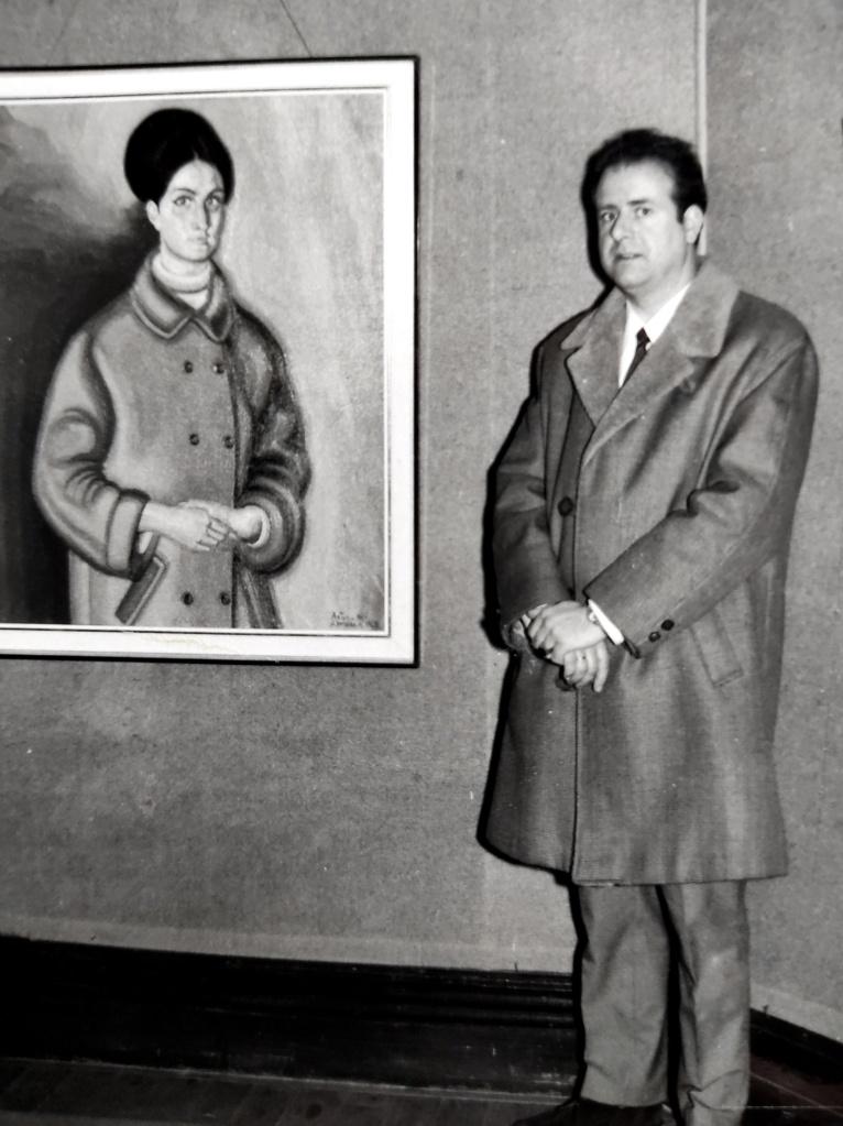 Antonio María con su retrato de Carmina en 1967