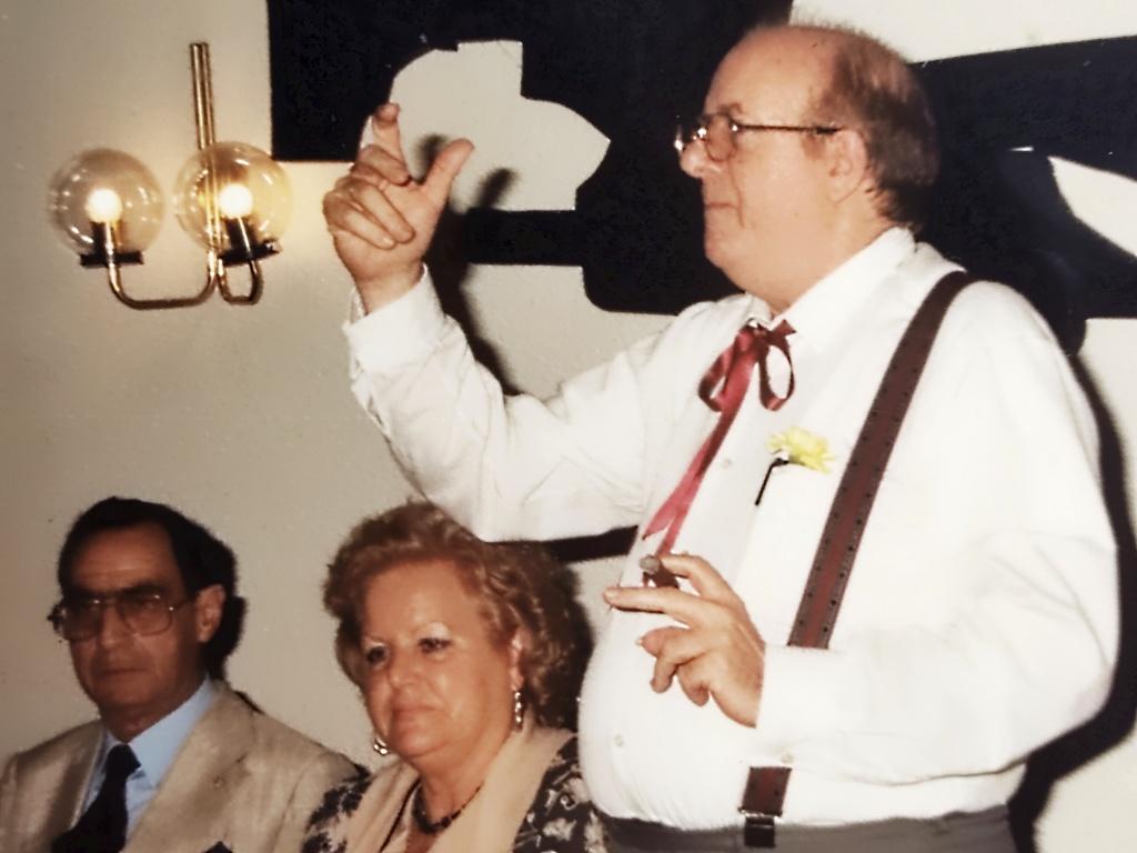 Oratoria de Antonio Mª en cena de artistas 1990