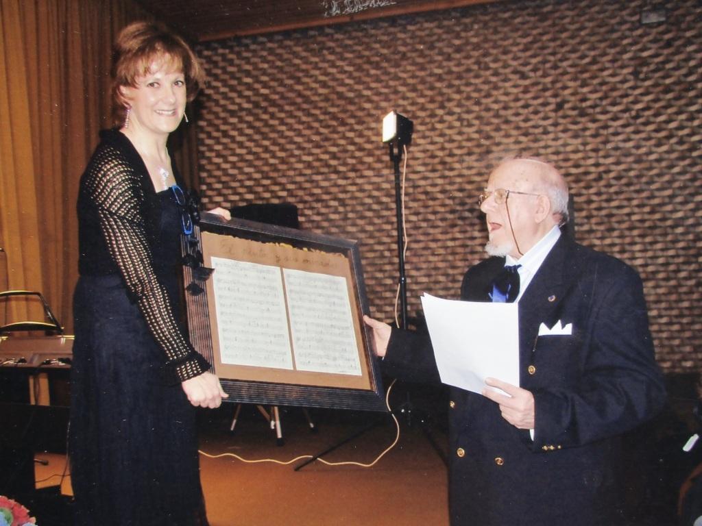 Homenaje de compositora B.Andiano 2008.